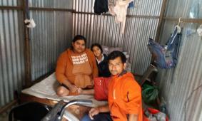 Diya met haar ouders