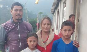 Sujan, Rhada en hun ouders